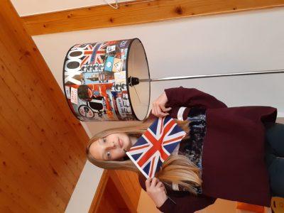Thonon les Bains Champagne. J'ai choisi cette photo car elle évoque beaucoup l'Angleterre grâce à la lampe et au drapeau.
