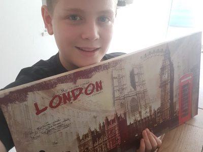 Gemenos College Jean de la Fontaine  bonjour ! je vous envoie ma photo : Le tour de Londres en un tableau !  good Bye !  Baptiste Gentric