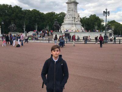 """Je suis du collège Monthéty de la ville de Pontault Combault  """" Here I am Trafalgar Square (London)"""""""