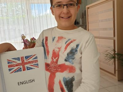 I live in sedan , my college name Mabillion