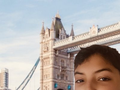 Hello ! My name is Anas HASSANI. I live in Epinay-Sur-Seine (93800) and my college Notre-Dame Providence is located in Enghien-Les-Bains (95880). I chose to take a picture of myself with a well-known monument in London that I would like to visit : Tower Bridge.