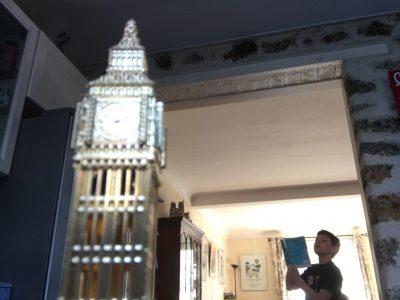 courbevoie collège les bruyières  je suis un touriste à Londres en train de prendre des notes sur le Big Ben