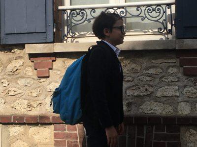 Chartres Collège Sainte Marie Je me suis habillé en collégien britannique, en uniforme: Veste et chemise.