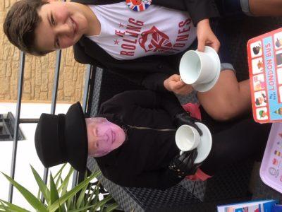 Jules VINET, Collège Saint Marc de Lyon 5  A good tea time with my best friend :)