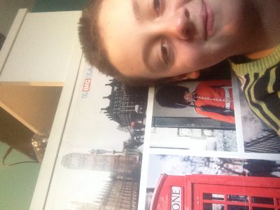 bonjour je suis élève de 6B au collège jules ferry de bogny sur Meuse.