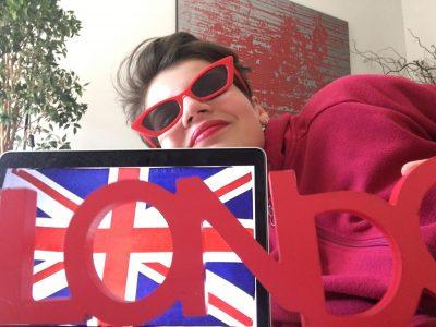 NANCY le collège la craffe. Le rouge fait directement penser à Londres à l'Angleterre avec les cabines les bus... non?