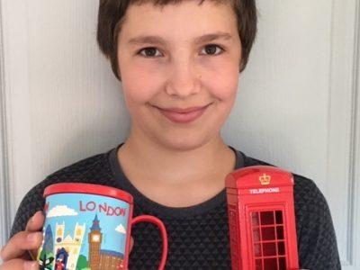 LAMBESC - Collège Jean Guéhenno  C'est une amie qui m'a offert ses cadeaux : cela me donne envie d'aller visiter l'Angleterre !