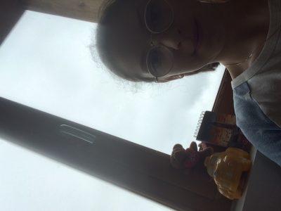 Grenoble Notre Dame de Sion Voici une photo de moi avec des objet qui viennent  d'Angleterre