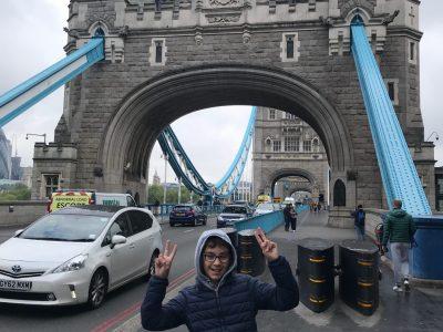 Agen, collège Dangla, sur le Tower Bridge pour mes 10 ans!
