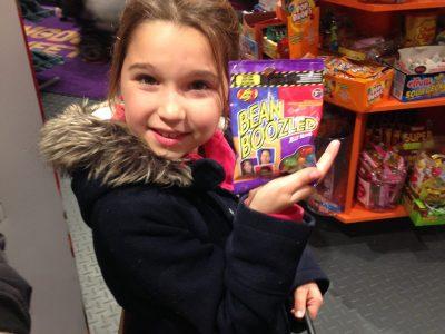 Rennes  Assomption  cette photo est moi quand je cherchais des bonbons de Londres et c'était pas très bon !! .Mais sa fait toujours  plaisirs de gouter