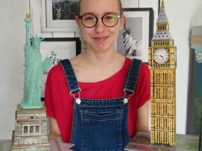 Le Plessis-Trévise, collège Albert Camus Deux symboles anglais que j'ai construits, Big Ben au Royaume-Uni et la statue de la liberté aux Etats-Unis.