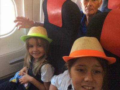 on est dans l'avion de la compagnie anglaise british rairways pour londres avec ma soeur