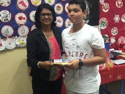 COLLEGE MILLE ROCHES : a pupil happy to be awarded