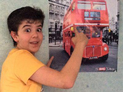 """CORMEILLES en PARISIS, collège Saint Charles. Ce n'est qu'un poster, mais c'est """"the"""" bus que je prenais lorsque j'étais à Londres pour aller visiter la ville.  #SUPERSOUVENIR"""