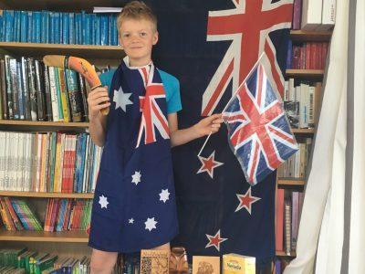 collège George Clémenceau à Epinal  ce sont tout mes souvenirs de mes voyage dans les pays anglophones ( l'Angleterre , l'Australie , la nouvelle Zélande ) .
