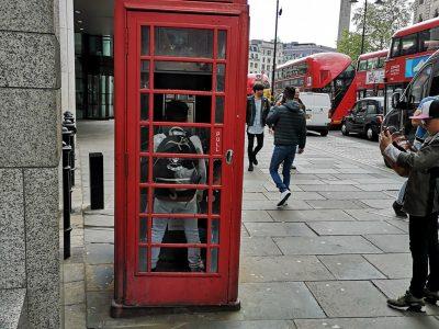Ajaccio Collège Stilletu   Voici une photo de moi dans une cabine téléphonique à Londre