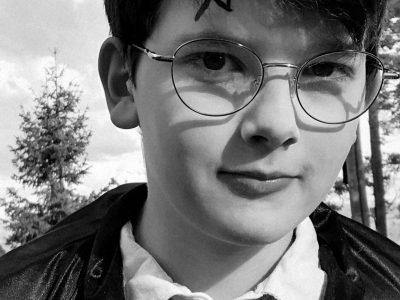 """Mon collège se situe à Aurec-sur-Loire et il s'appelle """" collèges des gorges-de-la-Loire''. Je me suis déguisé en Harry Potter car je trouve qu'il évoque bien l'Angleterre."""