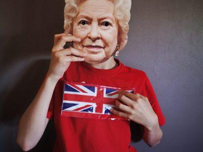 Bon-encontre, Collège La rocal.  Bonjour je m'appelle Tom Faure Carpe, voici la nouvelle reine d'Angleterre sur son lit !