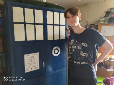 Beuzeville _ Collège Jacques Brel Voyage spatio-temporel en Angleterre ! Le TARDIS est resté chez nous depuis :)