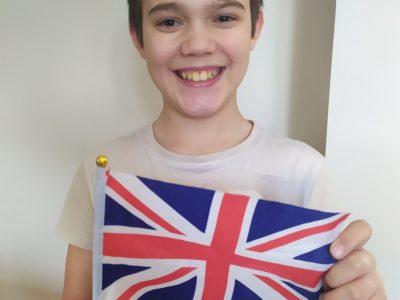 Bonjour,  Je suis Rémy Marques. J'ai 11 ans. Je suis au Collège à l'ISC à la Ville du Bois.  J'ai adoré visiter Londres et participer au BigChallenge.  A bientôt,  Rémy