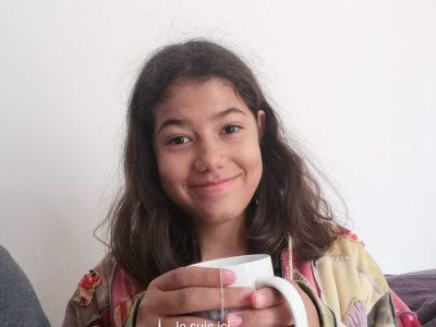 J'habite à St quentin fallavier je vais au collège Louis aragon Et j'aime le thé comme les anglais