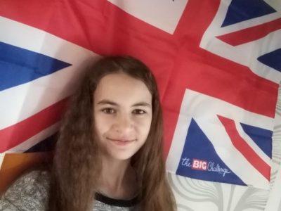 Montsûrs  Collège Béatrix de Gâvre Me voici entouré du drapeau du Royaume-Unis.