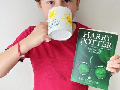 Varces-Allieres et Risset       Collège Jules Verne                                      Rien de mieux que de boire un thé en lisant Harry Potter.