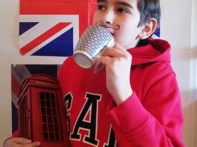 """Collège Saint-Louis Saint-Clément, Viry-Chatillon (91) Essonne.   """"Un français à London !!"""" I was trying to have some typical things about english people like the mustache and the cup of tea."""