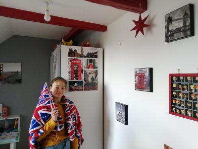 SEILHAC COLLEGE ARMANDE BAUDRY Je suis une grande fan de l'Angleterre, ma chambre montre bien ma passion pour ce pays.