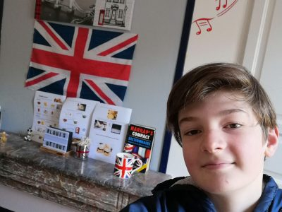 Boulogne sur mer Collège st Joseph de Navarin!  I Like English very much even in my bedroom