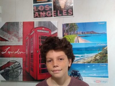 Hello my name is Advisse Mael, I study at Texeira Da Motta in la Possession. I posted this photo because there are elements that represent English, there are even two big challenge posters from previous years and an image with the famous London phone booths.