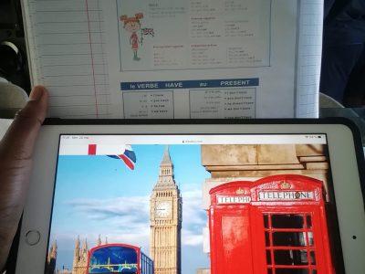 Saint gratin  le collège langevallon   Je voyage à Londres   Et apprend leur langue  c'est magnifique à Londres  on a les bus rouge les cabine téléphonique bien.