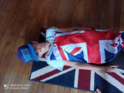 Eaubonne  collège jules Ferry.  Bonjour ce sont mes drapeaux du royaume uni et ma casquette de Brighton, ça me rappelle mes vacances en Angleterre l'été dernier. Paul Hauchecorne