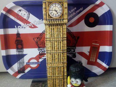 Metz Collège Barbot J'ai voulu rassembler tous mes objets Anglais pour représenter l'Angleterre.