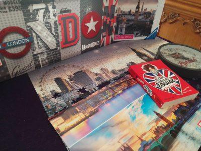 Riom - Collège Jean Vilar. Je suis une grande fan de l'Angleterre et des États - Unis notamment Londres et New York. En ce moment je suis en train de faire un puzzle sur la ville de Londres afin de poursuivre ma passion pour cette ville et pouvoir la placer en tant que décoration.