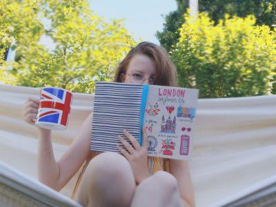 hi I'm Mathilde. Cormeille-en-parisis collège nouveaux(Louise Weiss)   lecture au soleil
