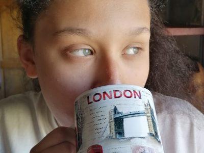 PETITE-FORET,COLLEGE PIERRE GILLES DE GENNES  Teatime ! :)