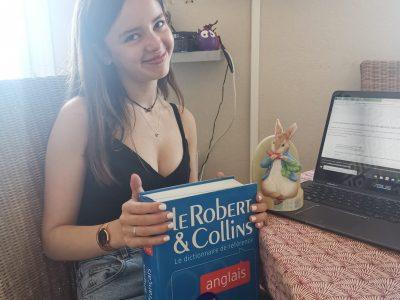 Amiens- Collège Amiral Lejeune  Baignée depuis mon enfance avec Peter Rabbit de Beatrix Potter et développement de mon vocabulaire avec le dictionnaire Robert & Collins je pars vers de nouveaux horizons linguistiques avec une acceptation en 2nd DNL.