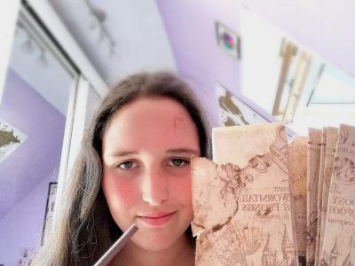 Collège La Plante Gribé Pagny-sur-Moselle I solemnely swear that I am up to no good  J'ai fabriqué la carte du maraudeur et une baguette d'harry Potter pendant mon temps libre