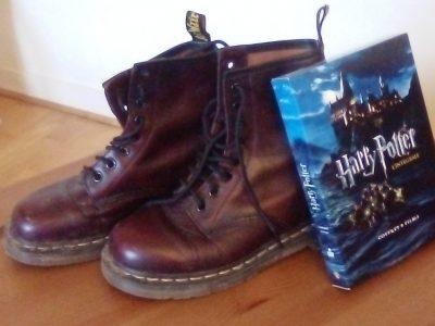 ST GERMAIN EN LAYE  COLLLEGE MARCEL ROBY  ROMANE BERTIN Les Dr.Martens et la saga Harry Potter...typiquement anglais !