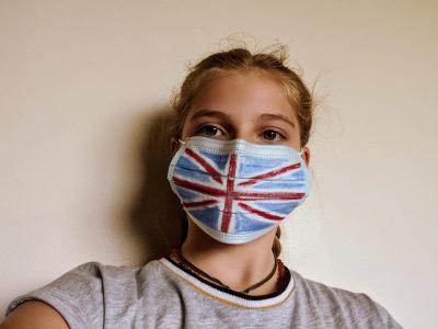 College Saint Joseph, Seine maritime Aumale.  Céline Martin 6 ème Aurore.  Je me suis prise en photo avec un masque à cause de l'épidémie COVID 19.