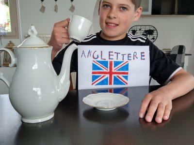 So british!!!  Yohan COGNET 6B - collège Jules Verne 03250 LE MAYET DE MONTAGNE