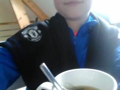 Collège Paul Langevin Evron  La tasse de thé anglaise avec le logo de la super équipe de foot: Manchester United.