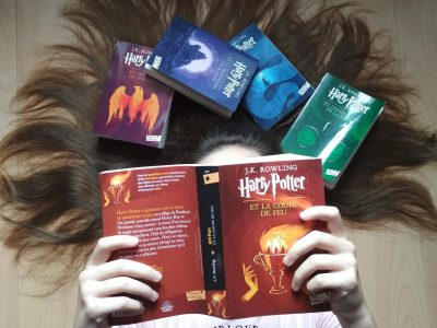 SELONCOURT, Collège Les Hautes Vignes  La saga Harry Potter est pour moi l'un des meilleurs éléments représentant l'anglais.  J'adore me plonger dans cet univers magique et m'imaginer lancer un sort, voler sur un balai ou encore rencontrer les personnages.