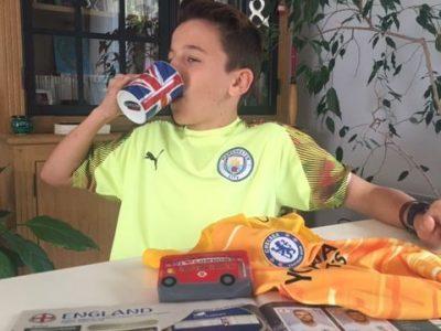 ALBI COLEGE BON SAUVEUR Quand on boit le thé avec un fan de football !!! A Manchester et Londres.