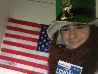 Salut ! Je viens du collège Louis-Blériot à Levallois Perret et j'ai un joli chapeau !