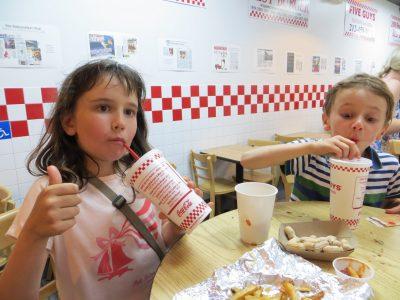 C'est trop bon les fasts foods aux Etats Unis!  Collège Saint Exupéry de Vincennes, PARIS.