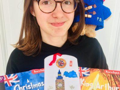 Bonjour,  Voici ma photo pour The Big Challenge, avec Paddington et des livres d'anglais !  Encore merci pour ce concours !  Cordialement,  Lina VIAULES 5ème3 - Collège Jean Monnet, Feucherolles