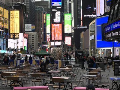 La Machine College Jean Rostand  J'ai passé un bon moment à New York avec ma famille en 2019  J'ai pris cet photo à Time Square