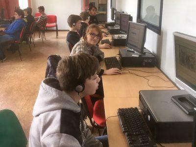 Fournes en Weppes, Collège Ressources Saint Jacques. Des élèves concentrés mais aussi bien contents de ce concours!